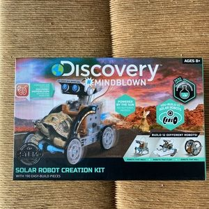 Discovery Kids #MINDBLOWN Solar Robot 12-in-1 Kit